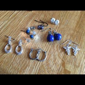 Jewelry - Lot of earrings